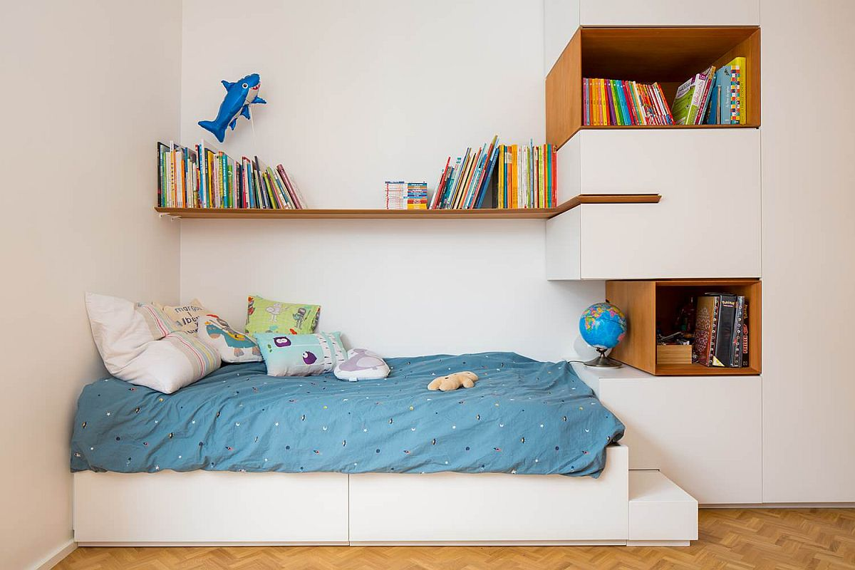 Making use of limited space in the tiny bedroom - an idea hat works in small adult bedrooms as well