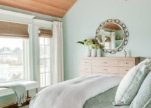 Mix-of-relaxed-beach-style-and-winter-vibe-in-the-bedroom-68455-217x155