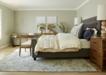 Pictue-perfect-bedroom-seems-perfect-for-every-season-18619-217x155