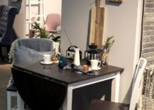 Table-with-foldable-leaf-at-the-end-saves-space-while-creating-a-cool-breakfast-zone-93471-217x155