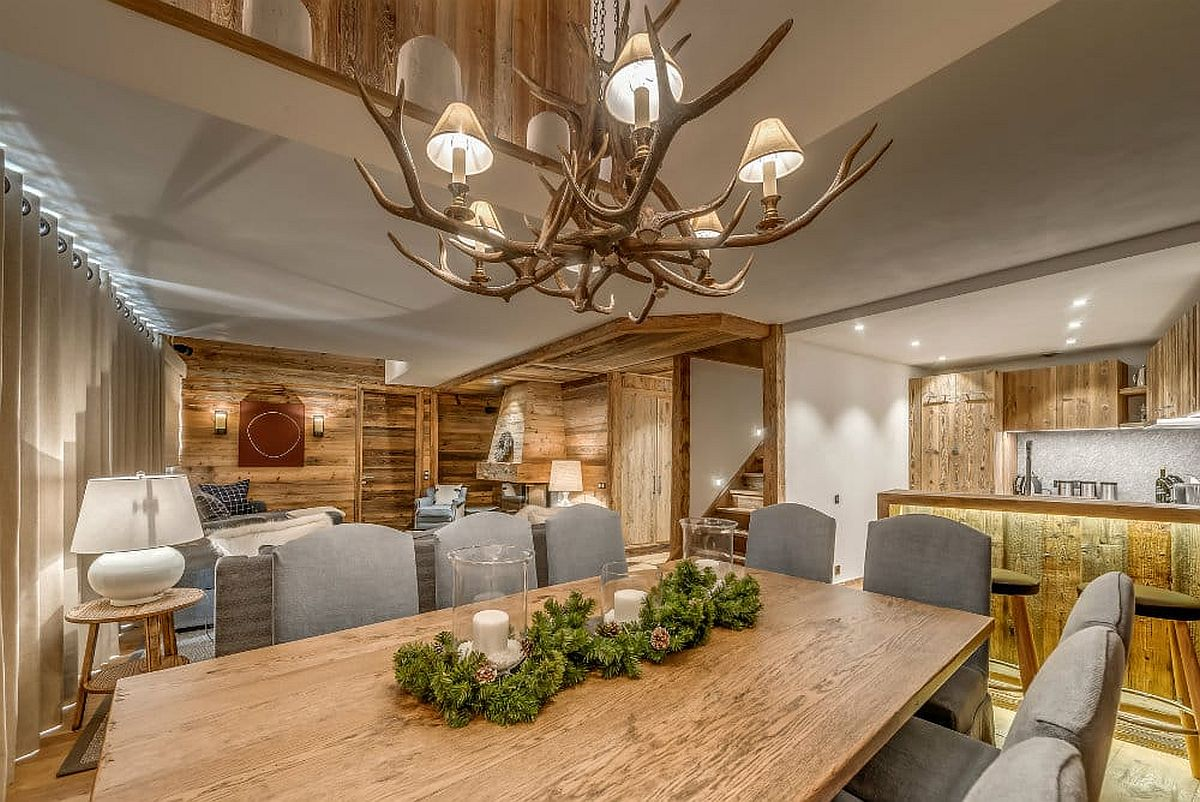 Chandelier-above-the-dining-table-with-unique-design-that-makes-it-perfect-for-the-alpine-escape-21734