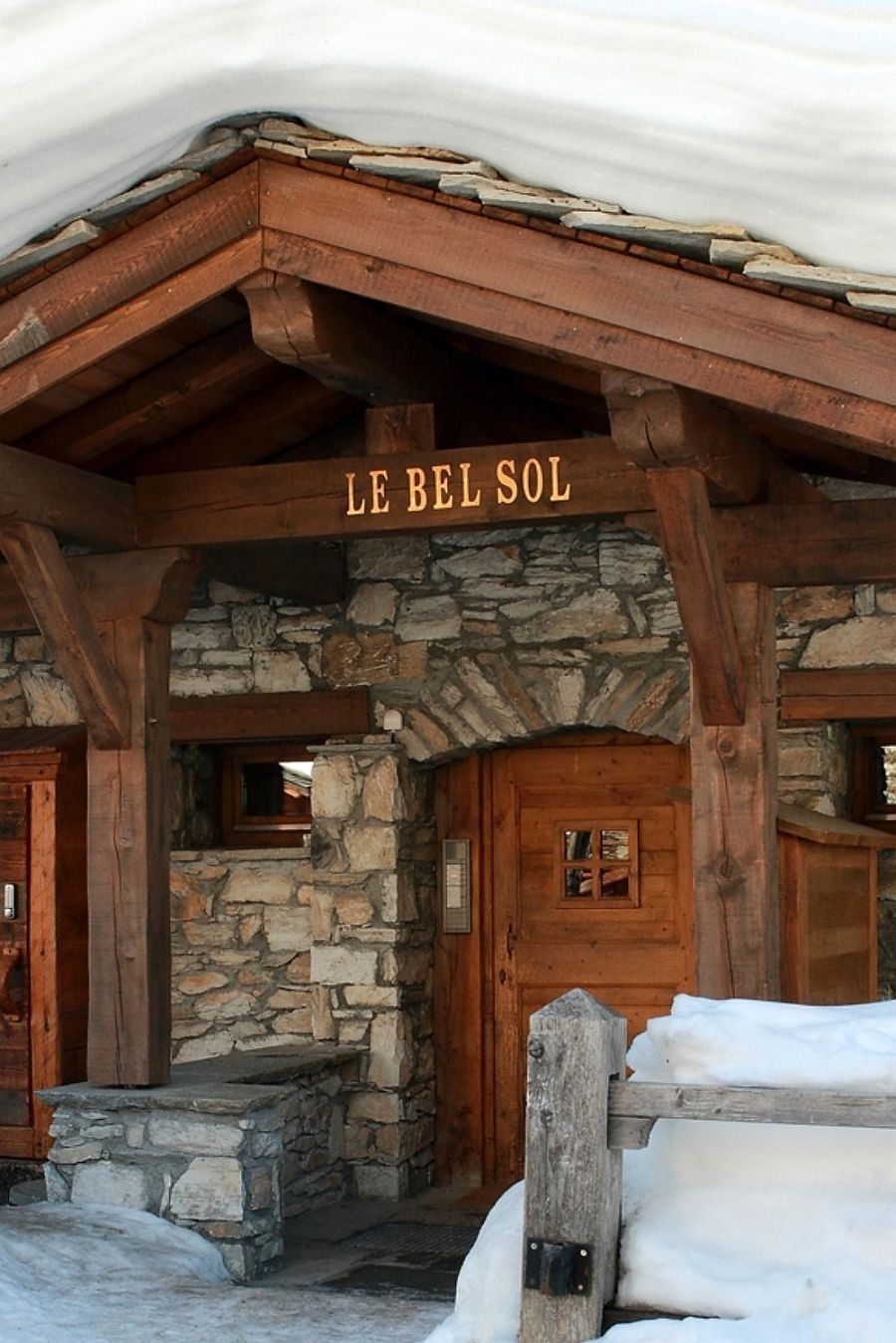 Cozy and lavish chalet welcomes you at Val d' Isere!