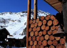 Enjoy-Val-dIseres-most-iconic-piste-from-the-comfort-of-this-lovely-luxury-chalet-80387-217x155