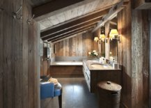 Esnuite-bathroom-of-the-master-bedroom-tha-is-completely-draped-in-wood-14262-217x155