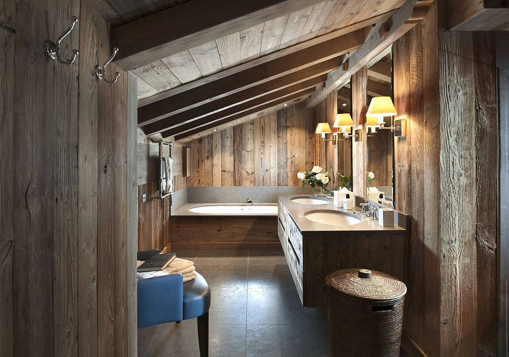 Ensuite bathroom of the master bedroom tha is completely draped in wood