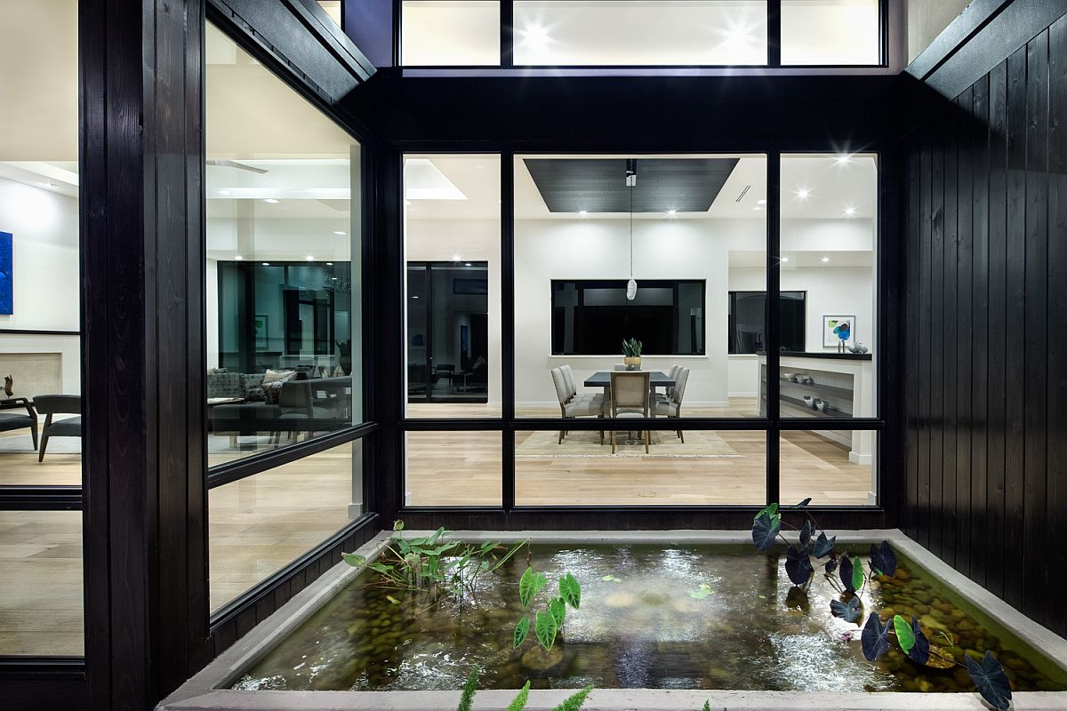 Fabulous and vibrant water feature becomes a part of the home interior