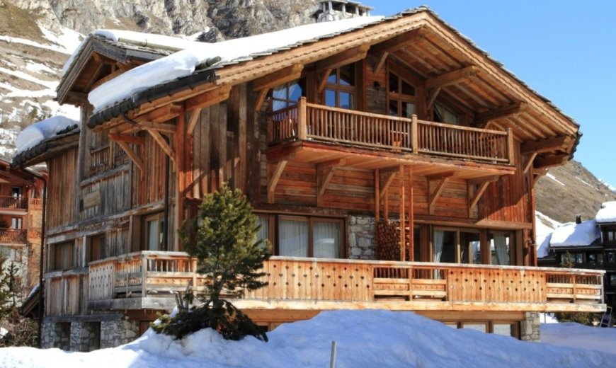 Stunning Views of Iconic La Face and Unparalleled Luxury Await at Chalet Bel Sol