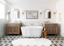 It-is-white-that-sets-that-mood-in-this-beautiful-modern-Mediterranean-bathroom-with-geometric-floor-tiles-12620-217x155