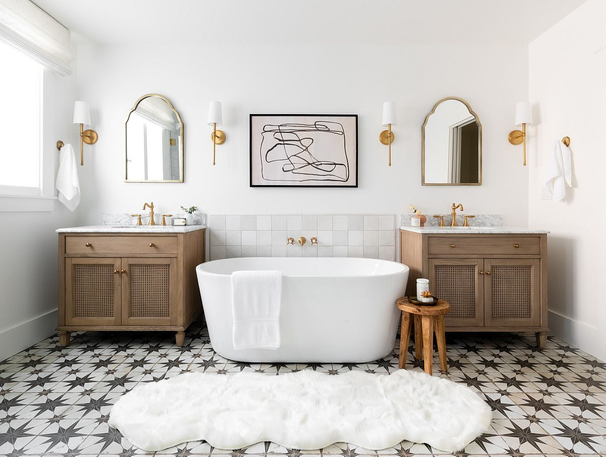 It-is-white-that-sets-that-mood-in-this-beautiful-modern-Mediterranean-bathroom-with-geometric-floor-tiles-12620