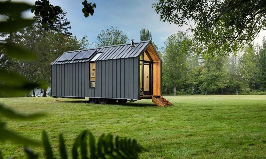 Efficient and Sustainable Dwelling on Wheels: Tiny, Off-Grid Living