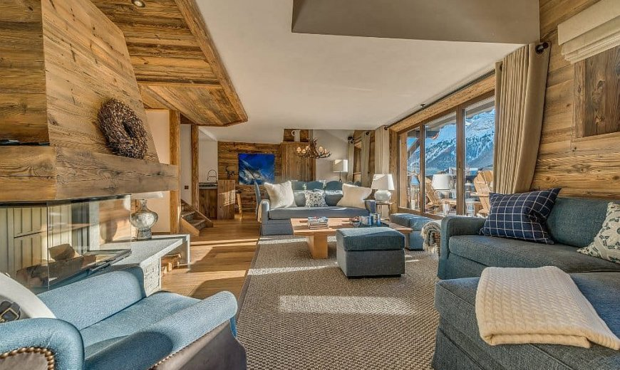 Amazing Alpine Escape: Unwind Inside this Luxury Duplex in Val d'Isere