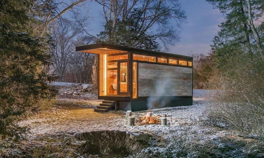 Artist's Muse: Space-Savvy Tiny Home Designed for a Writer