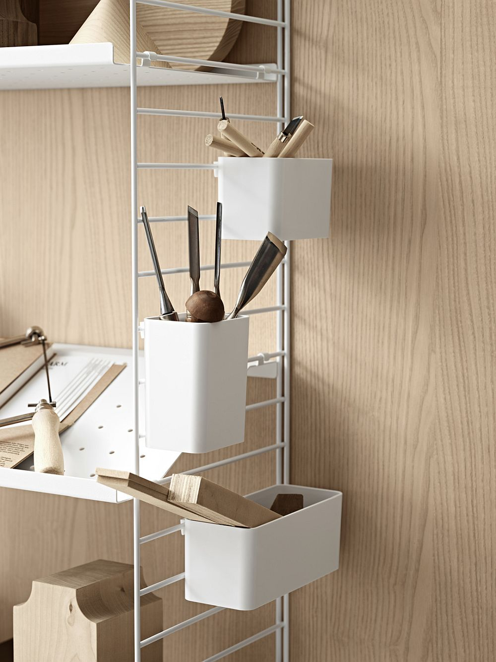 Smart modular String shelving system for better organization of the workspace