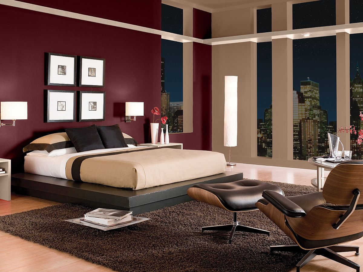 Stunning-bugundy-accent-wall-transforms-this-Californian-bedroom-in-neutral-hues-69740