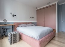 darker-shades-of-pastel-pink-are-combined-with-blues-in-the-bedroom-seamlessly-23783-217x155