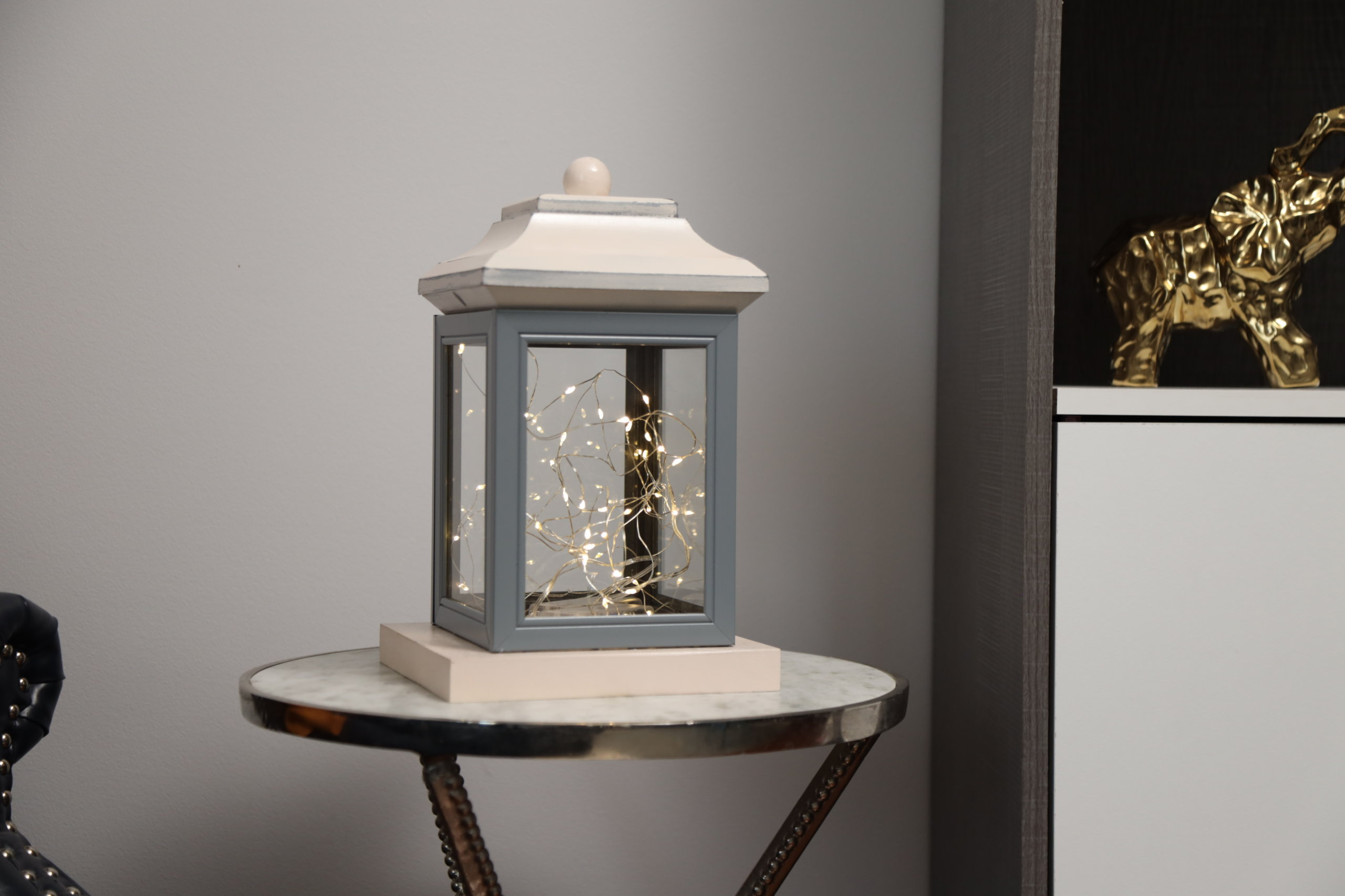 beauty shot of picture frame lantern