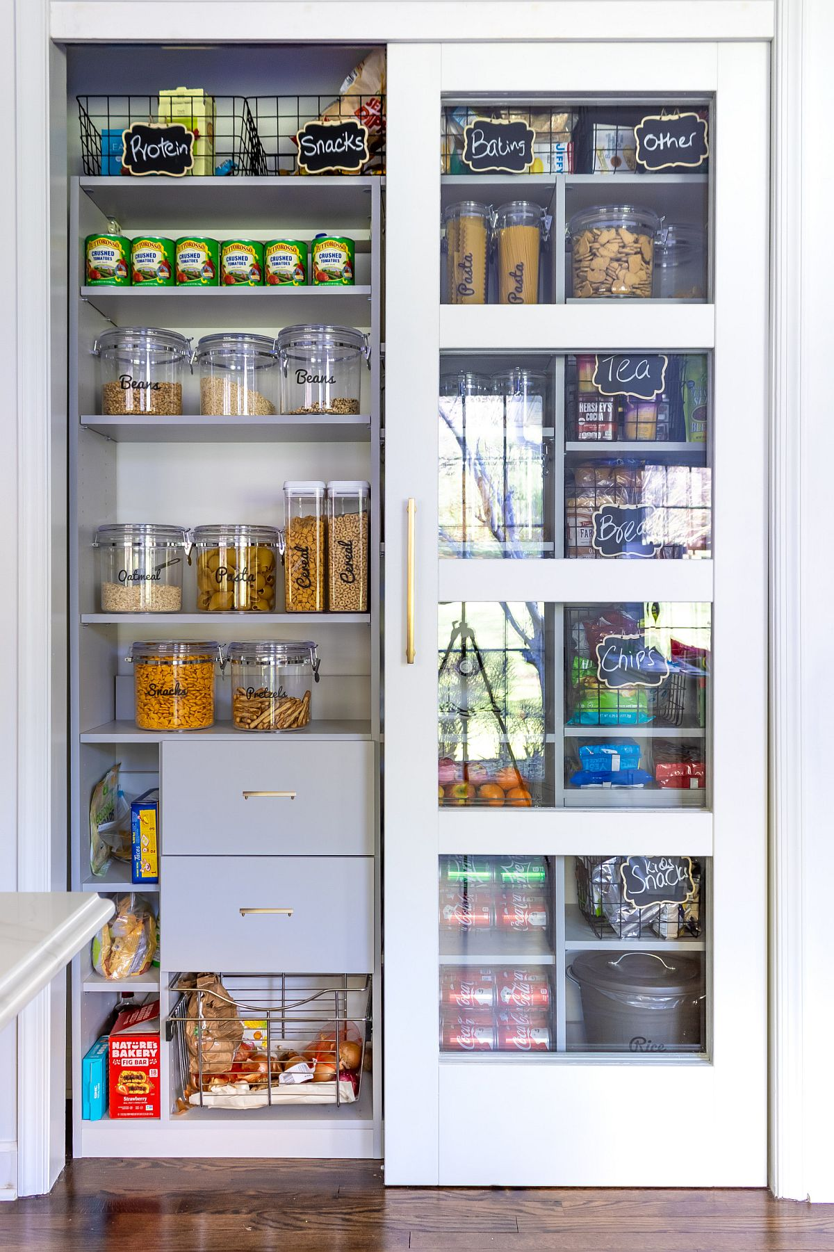 A-pantry-in-the-kitchen-allows-you-to-stock-up-and-organize-with-ease-22006