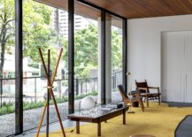 Brilliant-collection-of-iconic-modern-decor-is-showcased-in-the-hall-15224-217x155