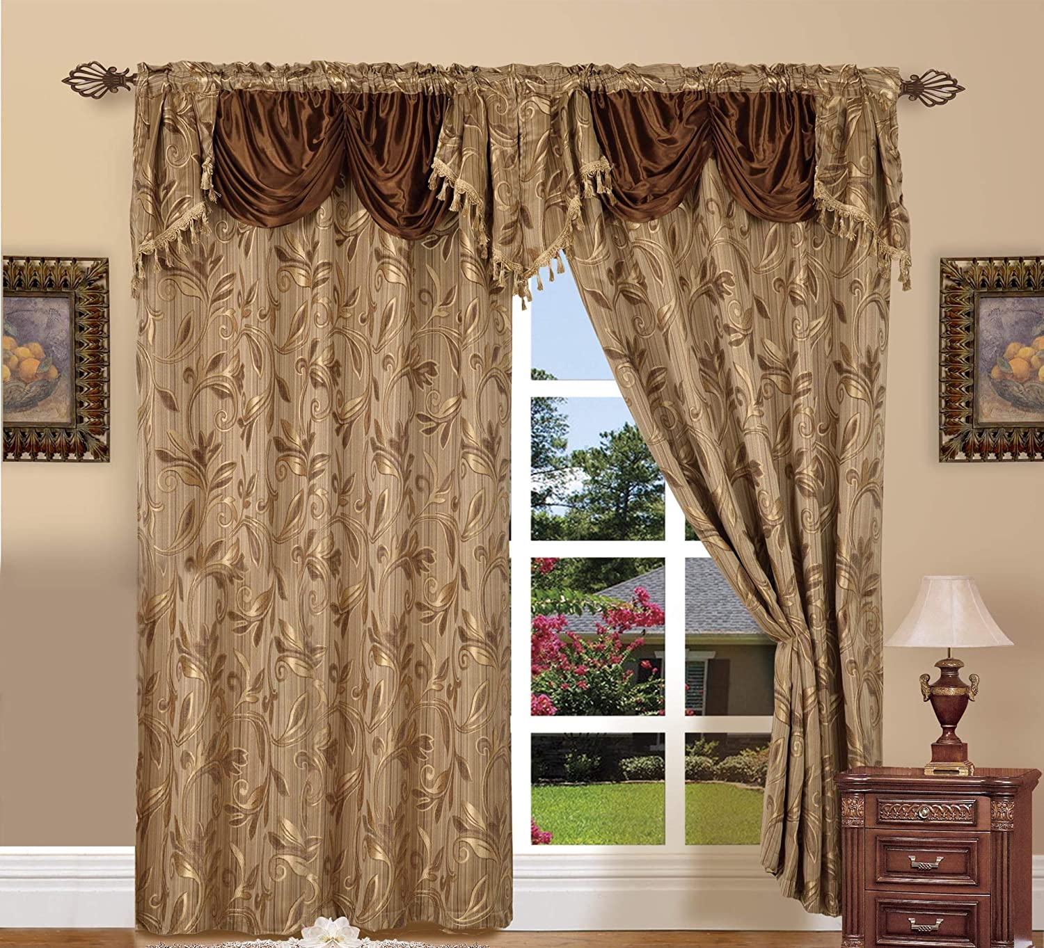 jacquard curtain in gold
