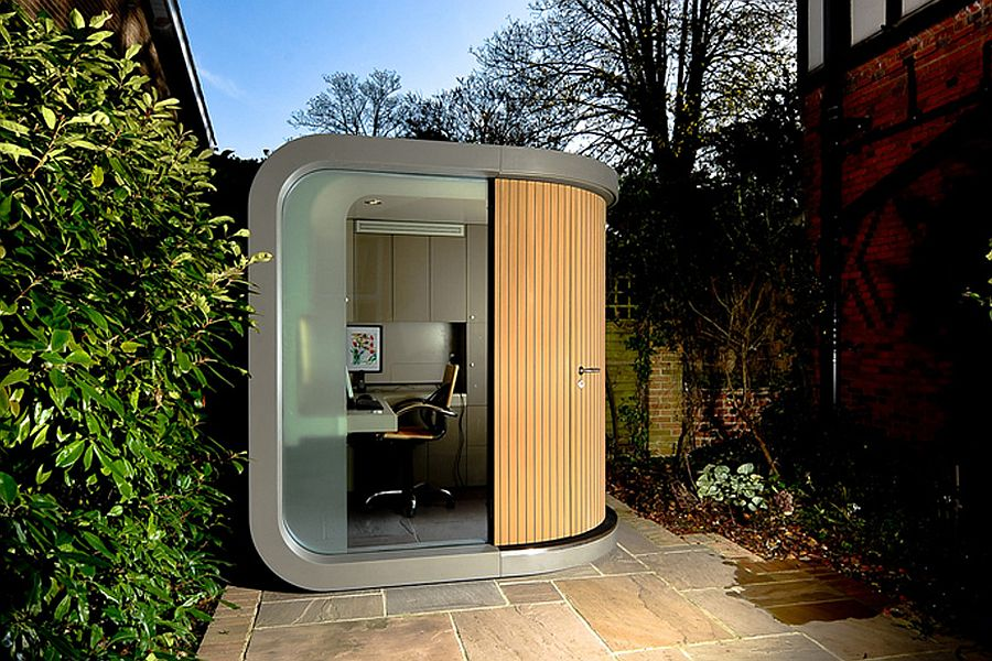Contemporary and flexible modern prefab in th garden serves as a great home office