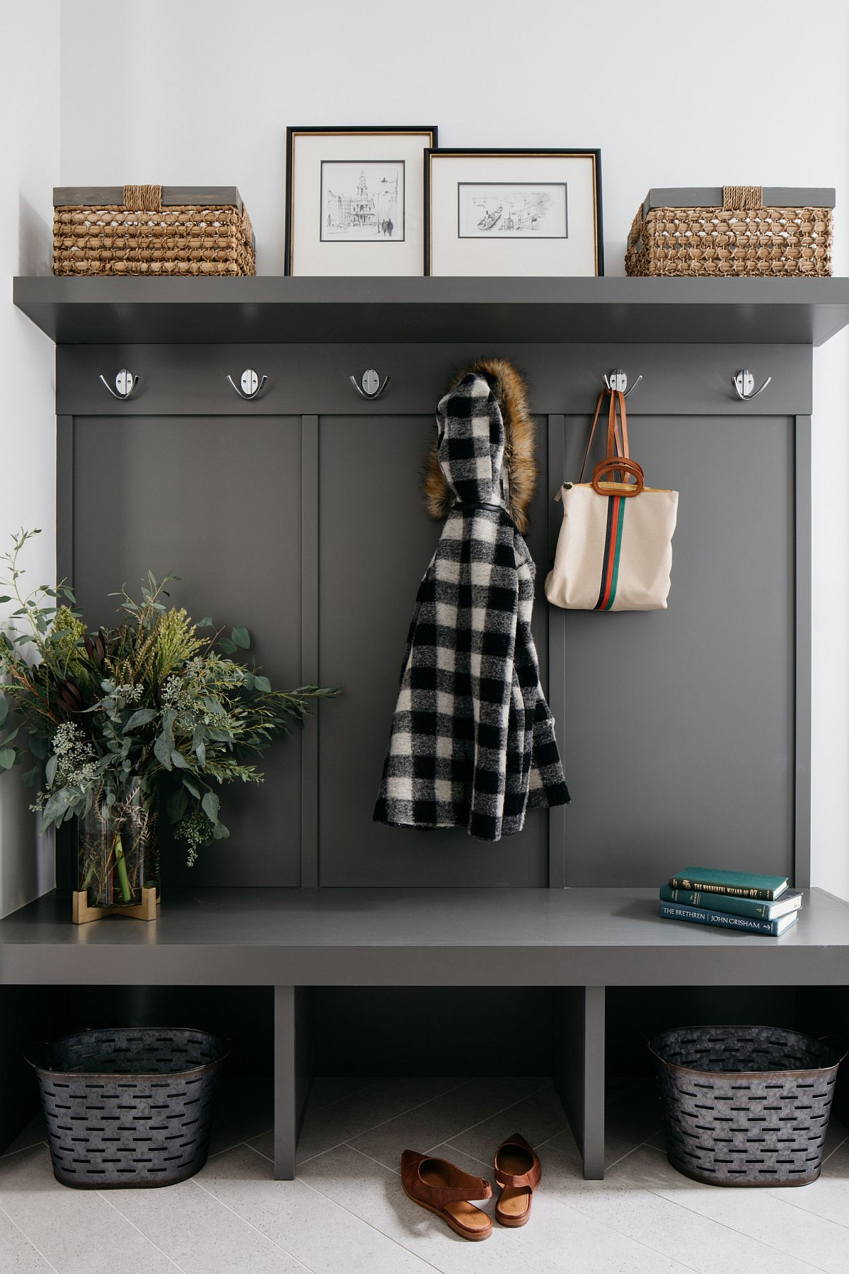 Dark-gray-custom-unit-for-the-entry-adds-modernity-to-the-small-space-82089
