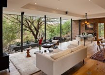 Fabulous-series-of-floor-to-ceiling-glass-walls-connects-the-interior-with-the-outdoors-16772-217x155