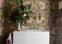 Floral-pattern-of-the-wallpaper-accentuates-the-natural-appeal-of-this-smart-modern-powder-room-93991-217x155