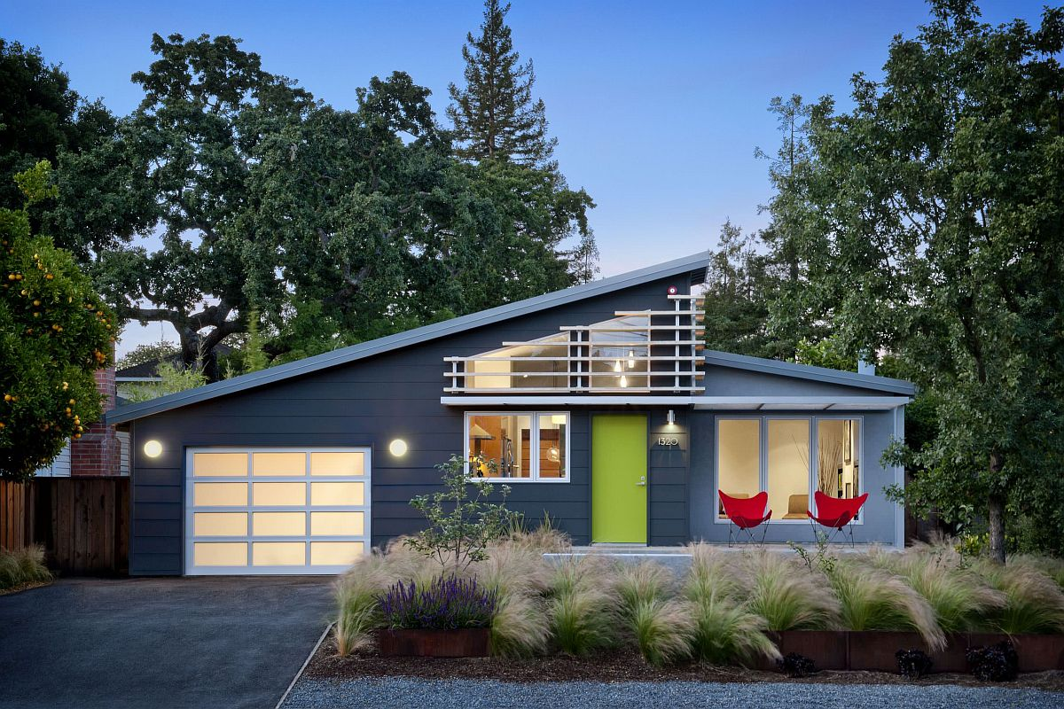 Midcentury-modern-home-coupled-with-an-apple-green-entry-door-makes-an-instant-impact-85696