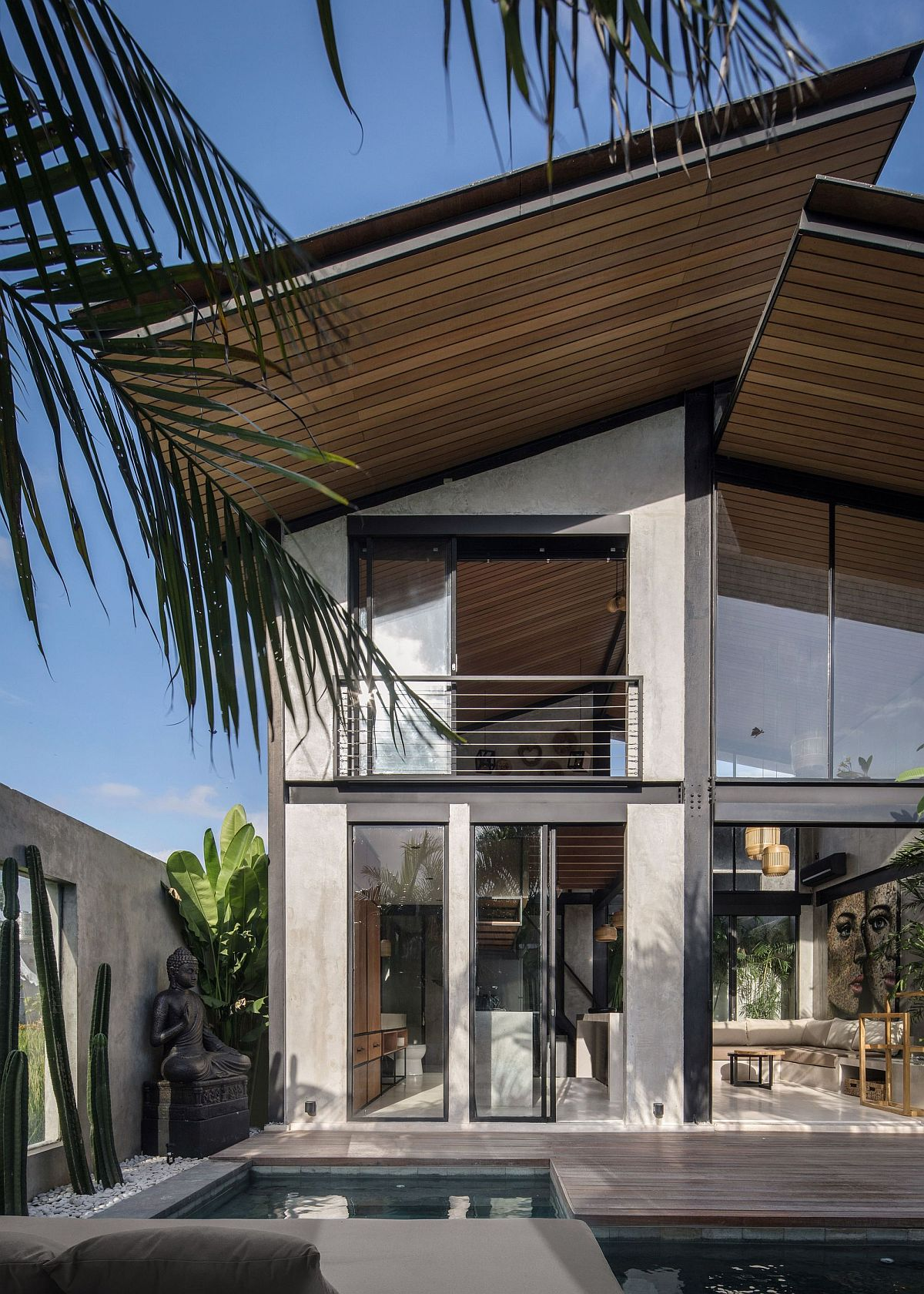 Water-greenery-and-filtered-sunlight-bring-balance-to-the-modern-home-27678