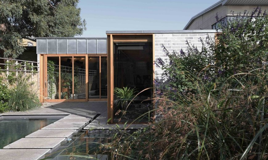 Heritage Home in London Gets a Space-Savvy Garden Room