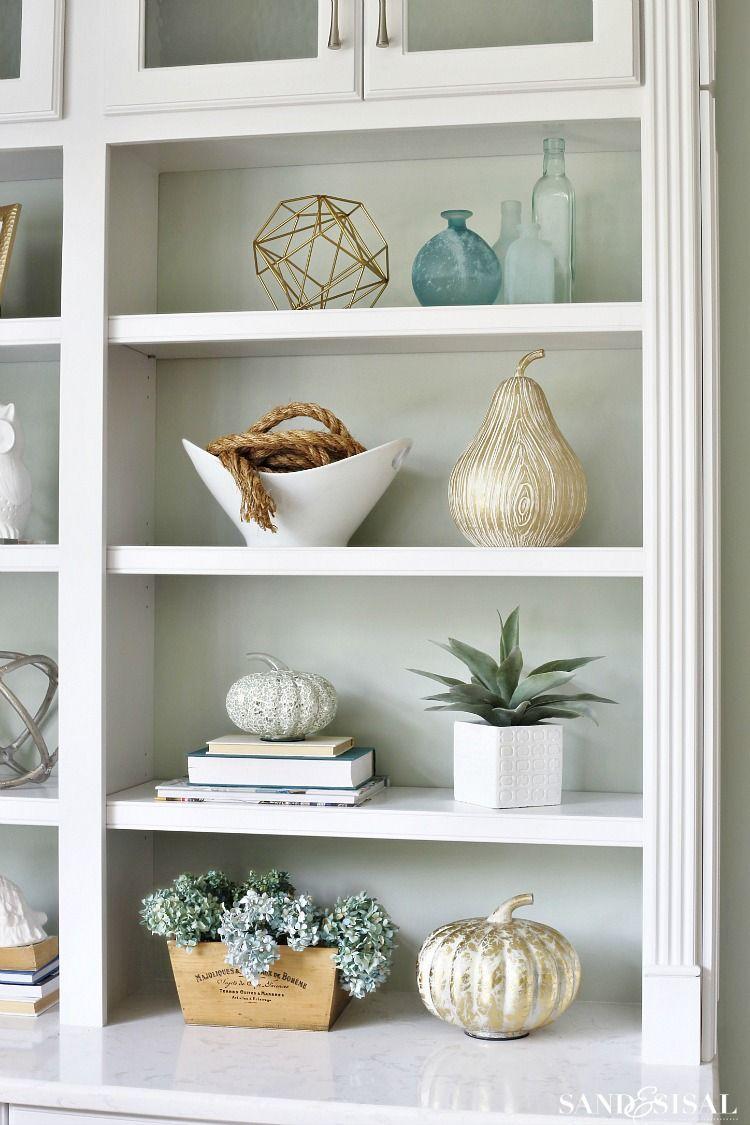 Beach home shelf