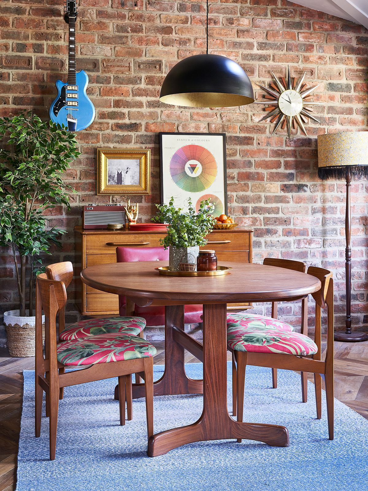 Beautiful brick walls are a hit even in the modern dining room