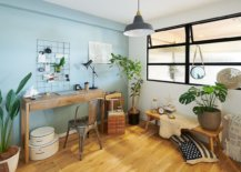 Chic-coastal-style-home-office-in-white-and-blue-is-a-great-place-for-indoor-plants-95718-217x155