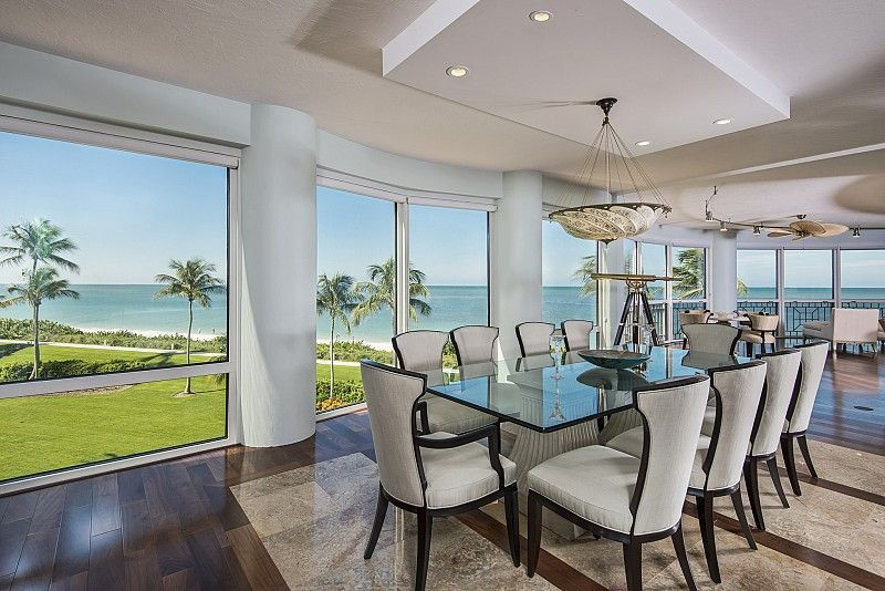 Dining area with a nice view of the ocean