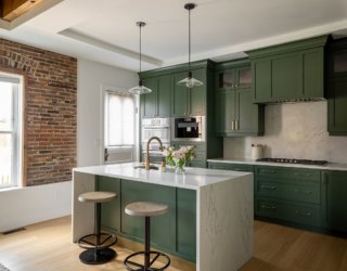 Kitchen Cabinet Colors for the Season: Welcome Spring with Trendy Hues
