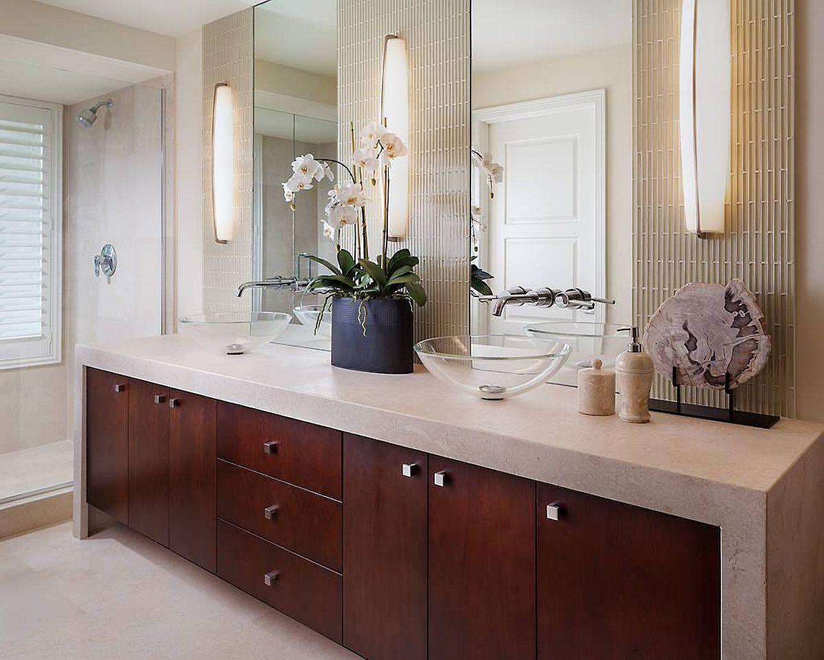 Gorgeous-scone-light-bring-mid-century-elegance-to-this-lovely-bathroom-vanity-93102