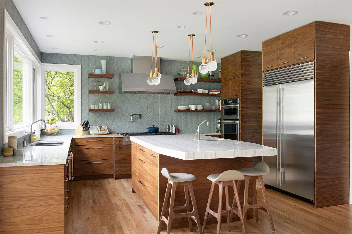 Gray-and-wood-kitchen-with-a-pattern-filled-backdrop-42347