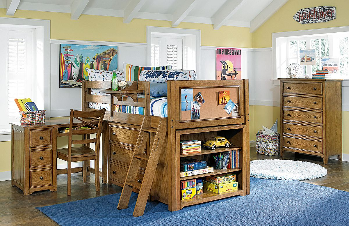 Matching-wooden-decor-in-tthe-kids-room-with-mutiple-open-and-closed-storage-options-61043