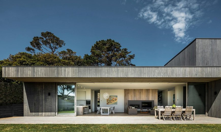 Relaxing Modern Seaside Home Down Under Blends in with the Landscape
