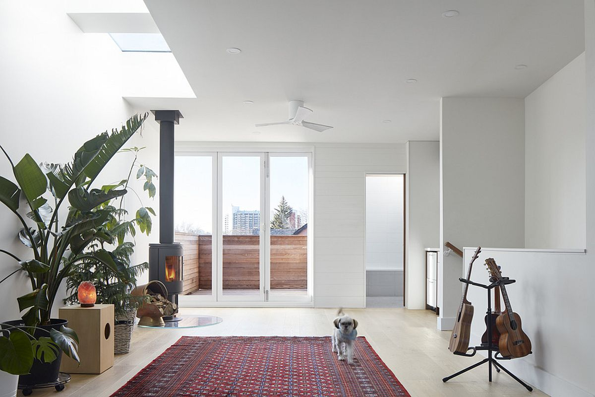 New-upper-level-of-the-Beaconsfield-Renovation-in-Toronto-16546