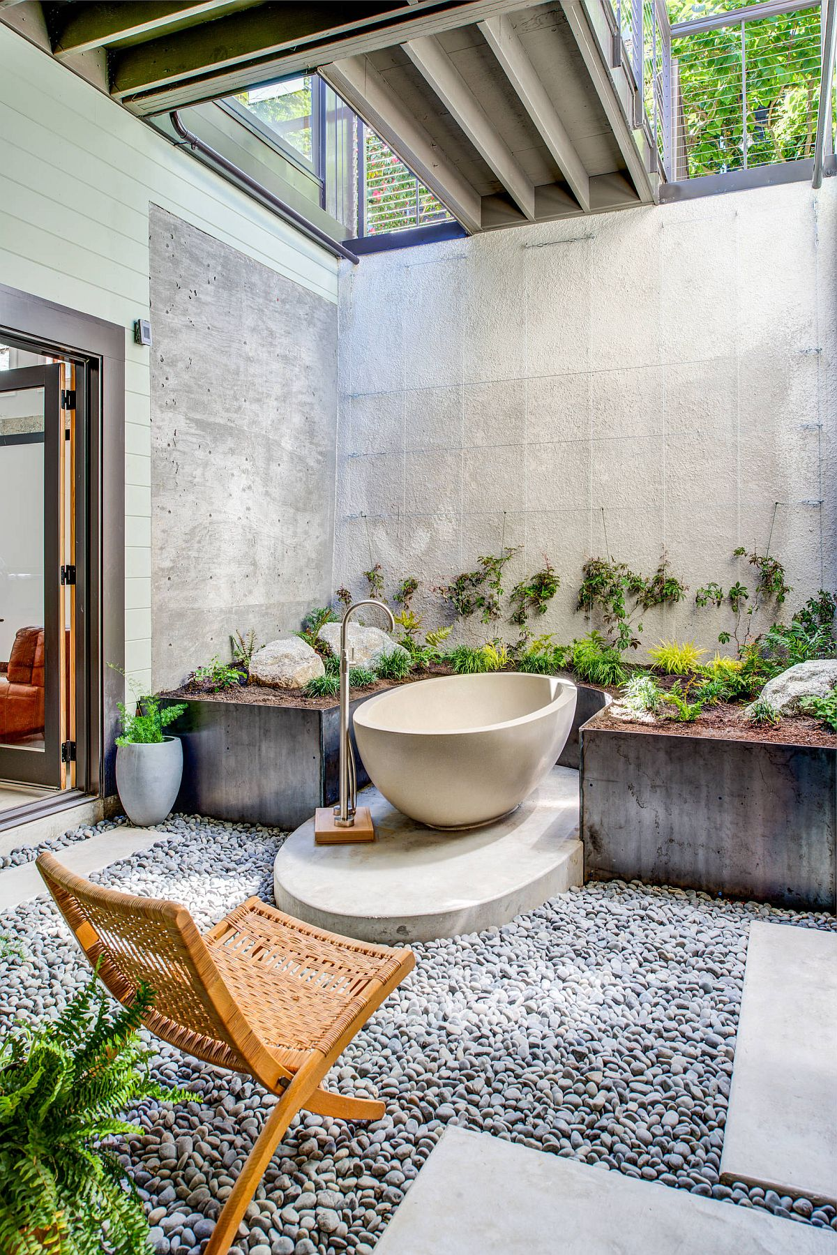 Open-and-elegant-tropical-bathroom-in-San-Francisco-home-is-a-world-in-itself-22954
