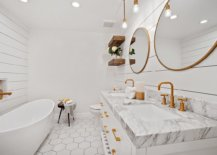 Pendant-lights-for-lighting-the-vanity-are-not-always-the-best-choice-15903-217x155