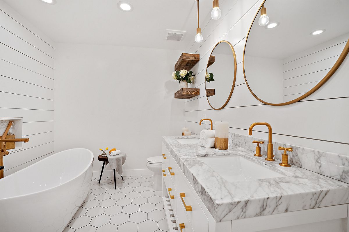 Pendant-lights-for-lighting-the-vanity-are-not-always-the-best-choice-15903