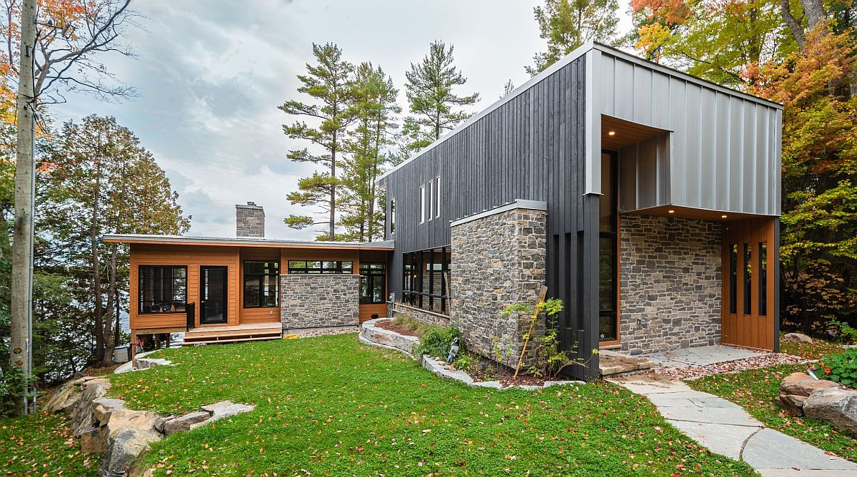 Relaxing and modern Lake Mississauga Cottage designed by Architects Tillmann Ruth Robinson