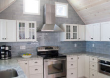 Seaside-inspired kitchen backsplash