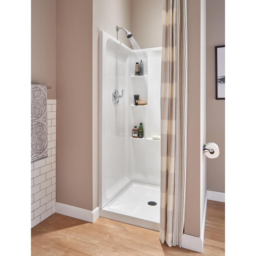 Shower with 3-level corner shelves