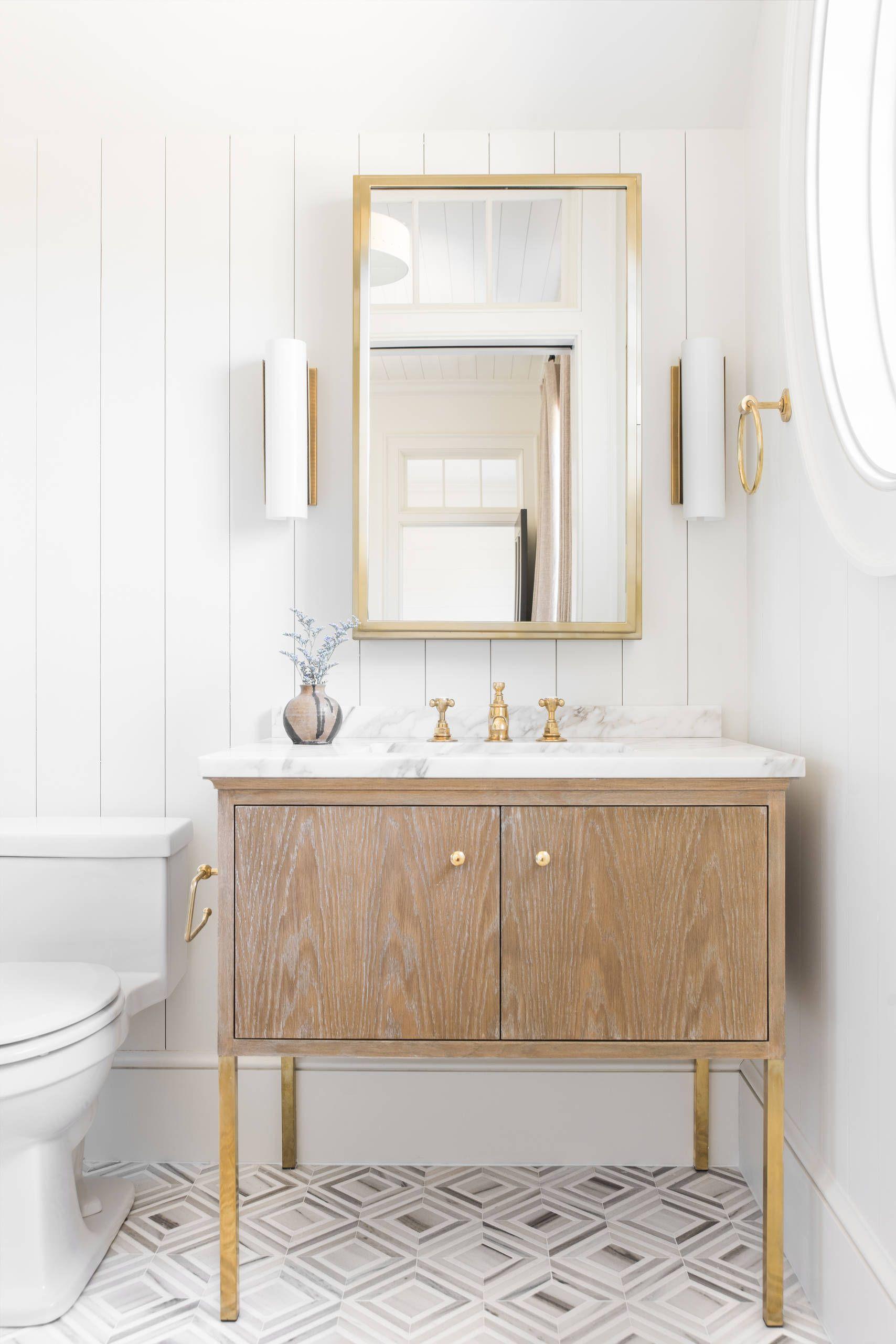 Small-vanity-lighting-idea-for-the-beach-style-bathroom-54766