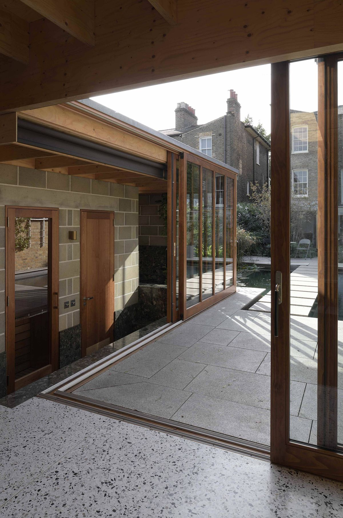 Space around the garden room flows into the landscape outside