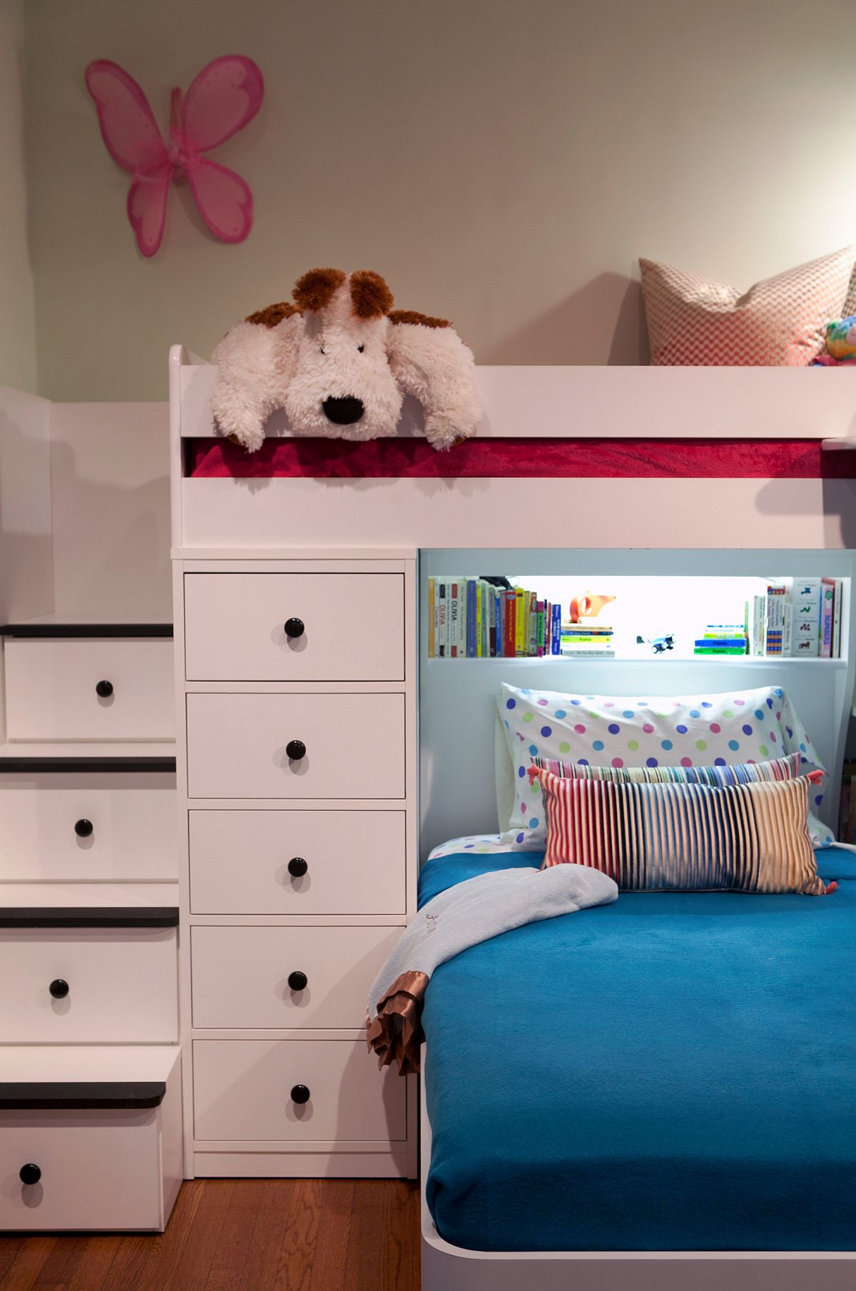 Steps-leading-to-the-loft-bed-in-the-kids-room-also-provide-additional-storage-space-63242