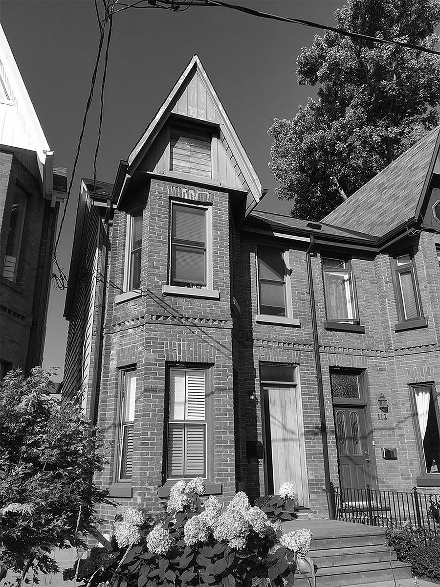 View-of-the-revamped-Victorian-semi-detached-house-in-Toronto-before-its-renovation-86452